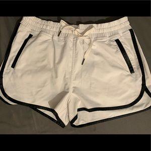 Lululemon white shorts size 8